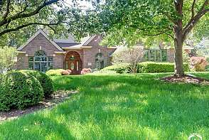 4401 Nicklaus Dr Lawrence, KS listing photo #3
