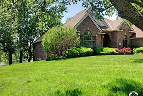 4401 Nicklaus Dr Lawrence, KS listing photo #7