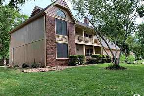 4608 Muirfield Drive Lawrence, KS listing photo #1