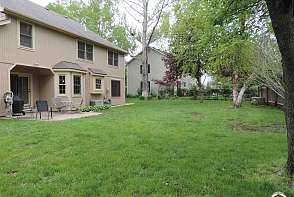 4608 Muirfield Drive Lawrence, KS listing photo #3