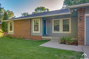 1205 Oxford Terrace Lawrence, KS listing photo #3