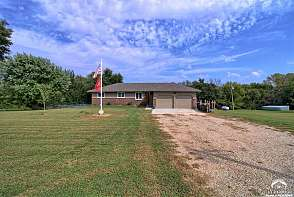 3150 SE Stubbs Rd Tecumseh, KS listing photo #4