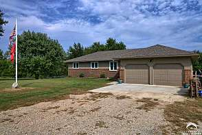 3150 SE Stubbs Rd Tecumseh, KS listing photo #5