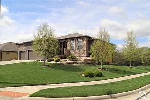 433 N Pennycress Dr Lawrence, KS listing photo #2