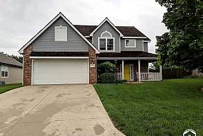 1820 Sweetwater Court Lawrence, KS listing photo #1