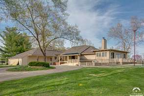 2100 Greenbrier Drive Lawrence, KS listing photo #1