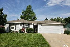 2529 Ponderosa Dr Lawrence, KS listing photo #1