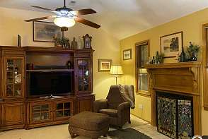 2529 Ponderosa Dr Lawrence, KS listing photo #3