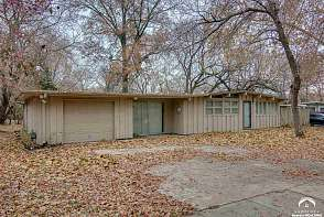 1728 W 21st Street Lawrence, KS listing photo #1