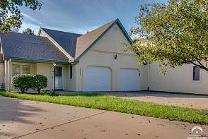 2717 Chipperfield Road Lawrence, KS listing photo #1