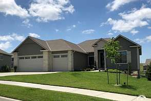 335 Headwaters Dr. Lawrence, KS listing photo #1