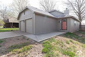 3711 W 24th Ter Lawrence, KS listing photo #3