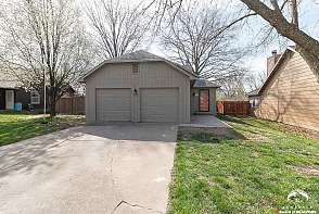 3711 W 24th Ter Lawrence, KS listing photo #4