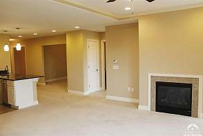4500 Bob Billings Pkwy #407 Lawrence, KS listing photo #7