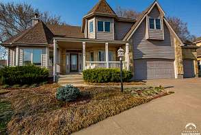 5208 Fox Chase Drive Lawrence, KS listing photo #1