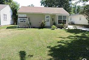 2140 Tennessee Street Lawrence, KS listing photo #2