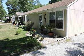 2140 Tennessee Street Lawrence, KS listing photo #3