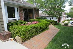 4220 Wimbledon Drive Lawrence, KS listing photo #3