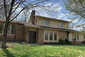 1501 Alvamar Drive Lawrence, KS listing photo #1