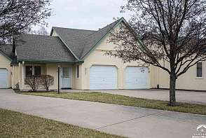 2717 Chipperfield Rd Lawrence, KS listing photo #1