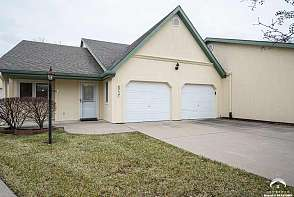 2717 Chipperfield Rd Lawrence, KS listing photo #3