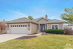 1505 Fountain Dr. Lawrence, KS listing photo #1