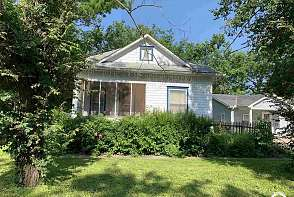 428 S Poplar Ottawa, KS listing photo #1
