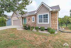 6201 W 22nd Ct Lawrence, KS listing photo #2