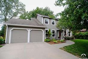 2705 W 27th Terrace Lawrence, KS listing photo #2