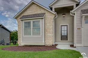 5224 Cedar Grove Way Lawrence, KS listing photo #3