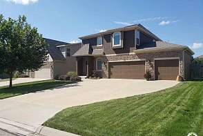 919 Drum Drive Lawrence, KS listing photo #2