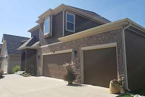 919 Drum Drive Lawrence, KS listing photo #3