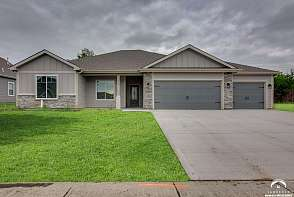 935 Renaissance Drive Lawrence, KS listing photo #1