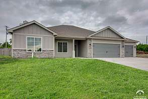 935 Renaissance Drive Lawrence, KS listing photo #2