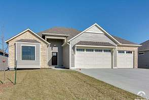 5216 Cedar Grove Way Lawrence, KS listing photo #1