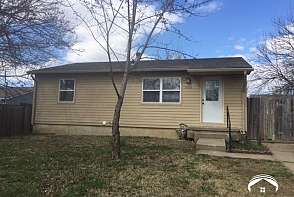 1020 E 27 Lawrence, KS listing photo #1
