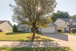 544 Brentwood Dr Lawrence, KS listing photo #3