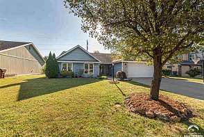 544 Brentwood Dr Lawrence, KS listing photo #4
