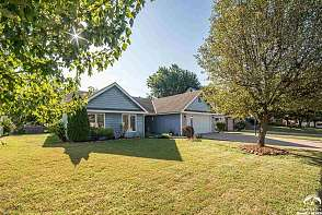 544 Brentwood Dr Lawrence, KS listing photo #5