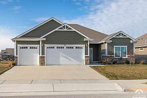 311 Headwaters Lawrence, KS listing photo #3
