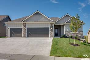 419 Freemont Drive Lawrence, KS listing photo #1