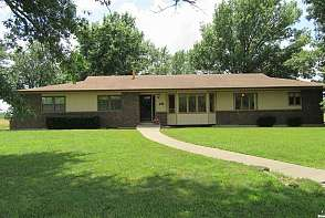 523 N 950 Rd Lawrence, KS listing photo #3