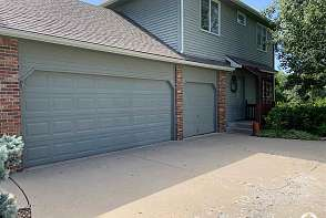 4620 Turnberry Dr. Lawrence, KS listing photo #2