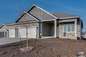 1221 Juniper Lane Lawrence, KS listing photo #2