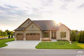115 Fall Ridge Ln Lawrence, KS listing photo #3