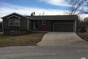 3805 W 14th Terrace Lawrence, KS listing photo #2
