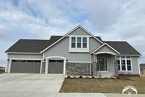 326 Dean Court Lawrence, KS listing photo #1