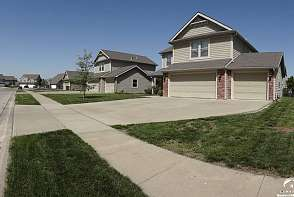 2518 Carlton Drive Lawrence, KS listing photo #3