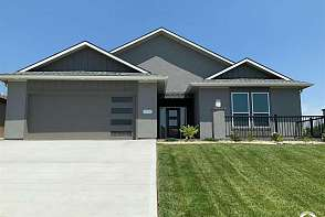 3920 Sweetclover Lawrence, KS listing photo #1