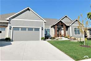 1309 Waverly Drive Lawrence, KS listing photo #2